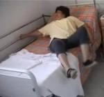 le assis couché aide technique appui barreaux du lit.jpg